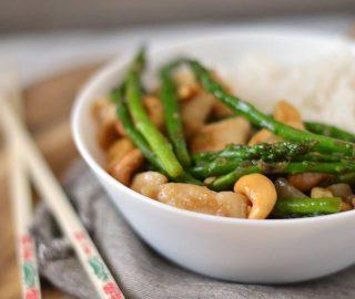 Kip met cashewnoten uit de wok