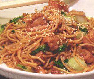 Noodles, Kip & Paksoi uit de wok