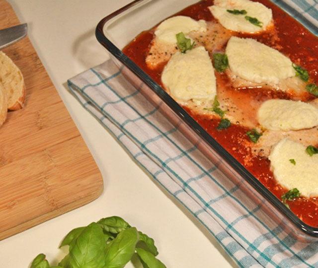 Kip in tomatensaus uit de oven