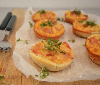 Ontbijtmuffins met ei, kaas & spek