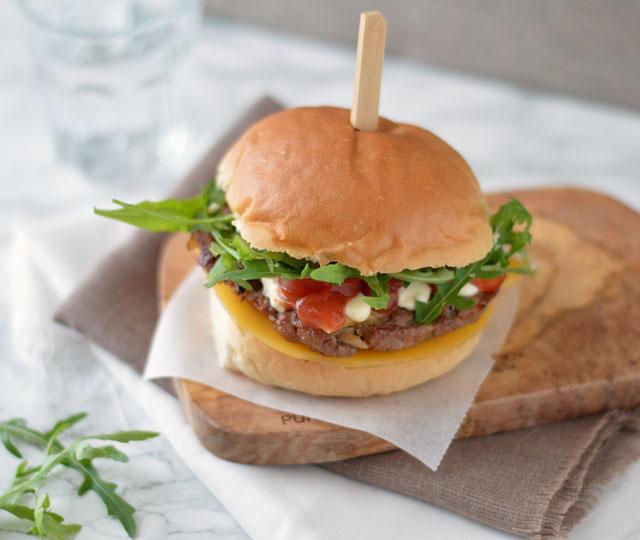 Hamburgers van de grill