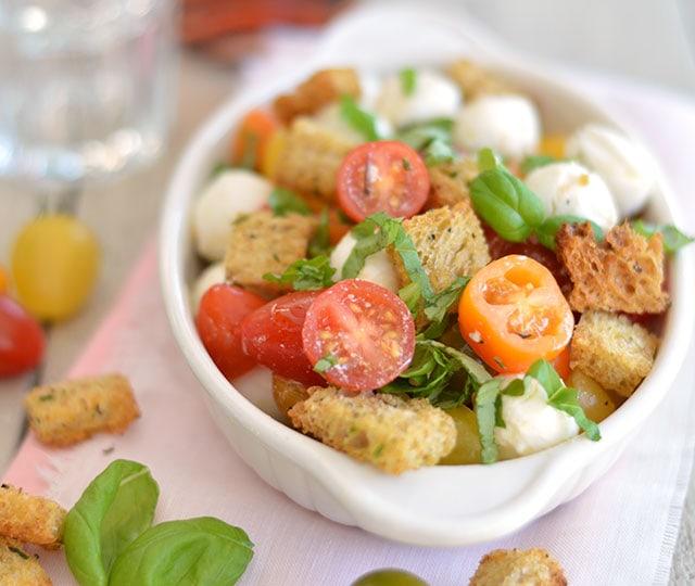 Panzanella (Italiaanse broodsalade)