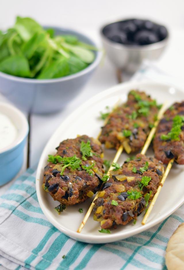 Arabisch gekruide gehaktspiesjes van de grill