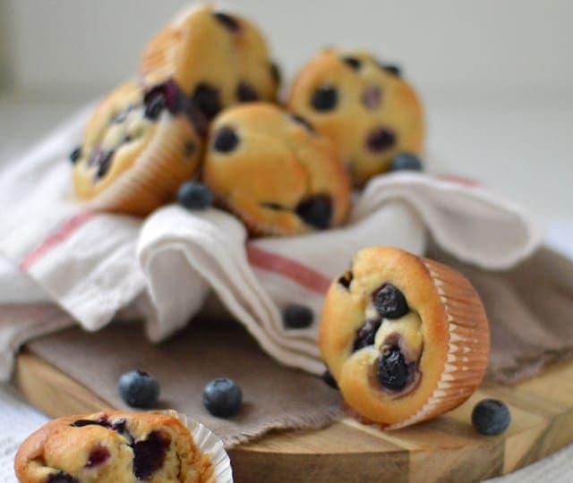 blueberry muffins met Griekse yoghurt en honing