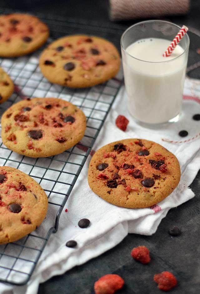 Chocolate chip cookies met aardbei