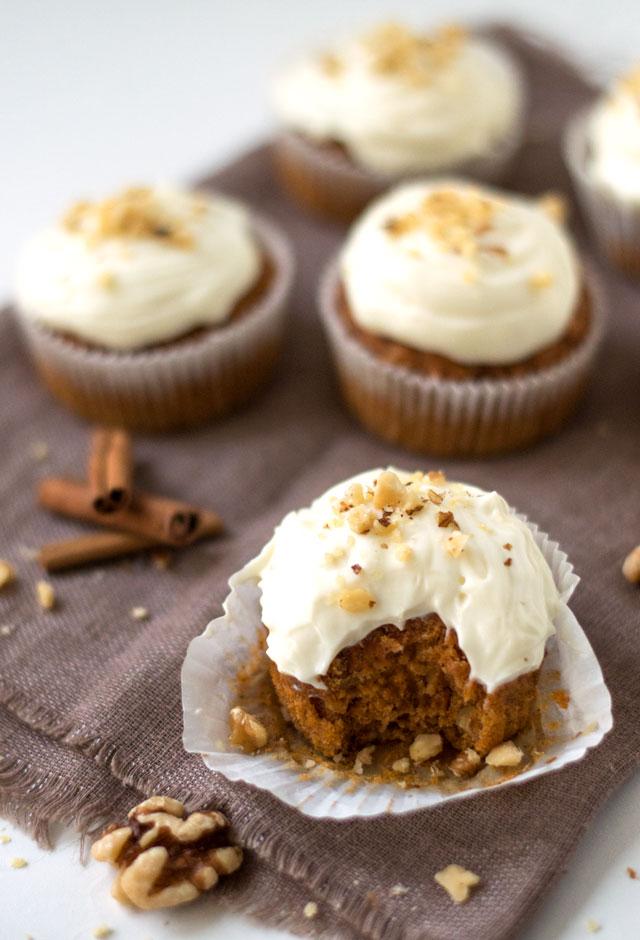 Carrot cake muffins met een lekkere fris-zoete frosting