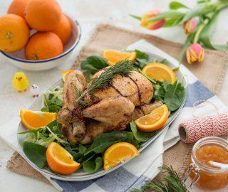 Hele kip uit de oven met sinaasappel en rozemarijn