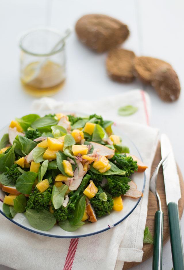 Mango en kip salade