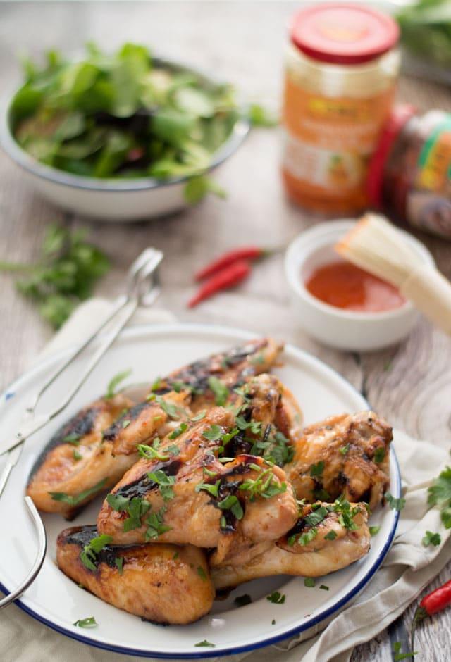 Pittige en zoete kipvleugeltjes van de BBQ