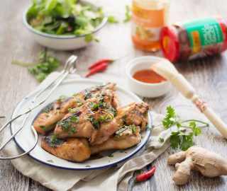 Zoet pittige kippenvleugeltjes van de BBQ