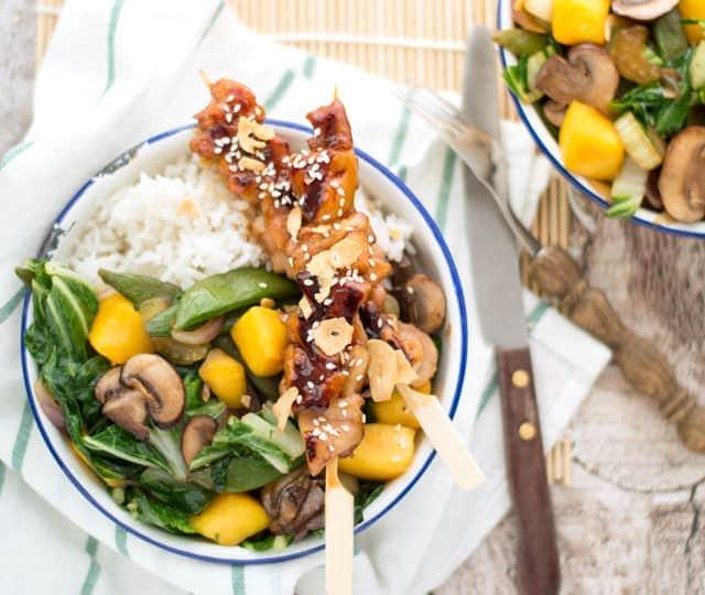 Kip en groenten uit de wok met mango