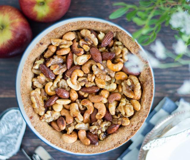 Taart met appel en noten