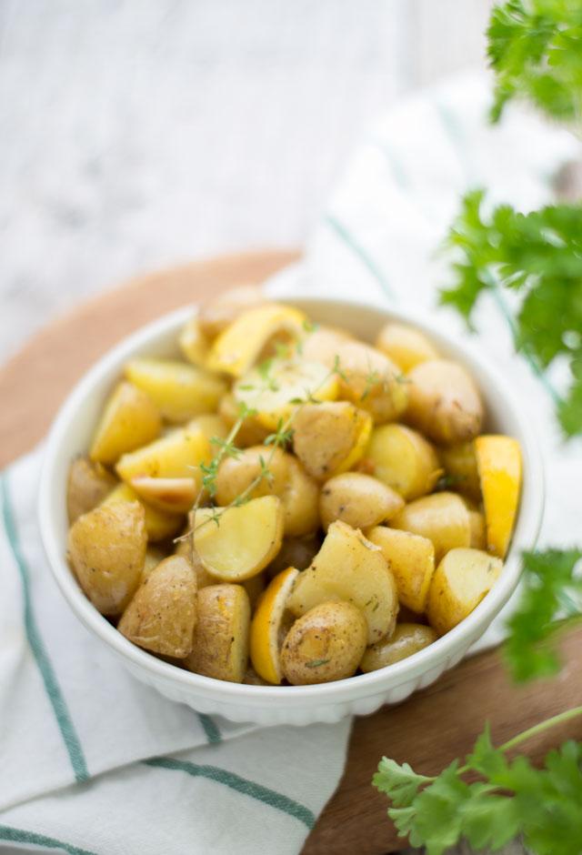 Krieltjes met citroen, knoflook en tijm uit de oven