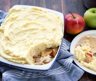 Zuurkool ovenschotel met spekjes en appel