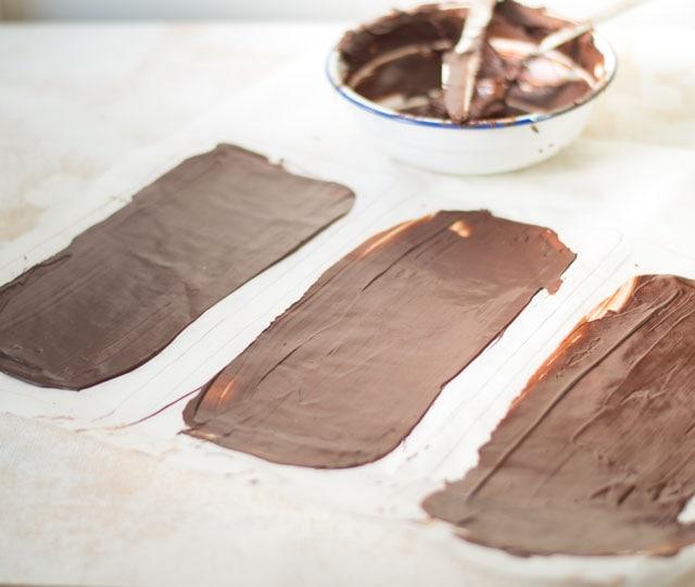 Zelf plakken dunne chocolade maken