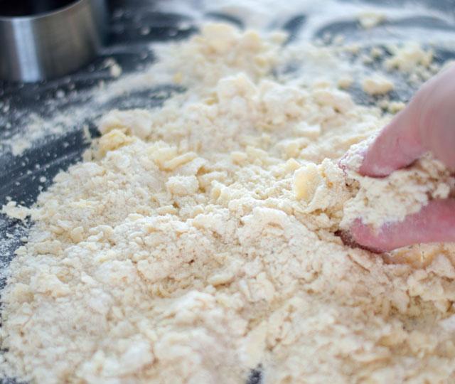 Deeg maken voor de tartelettes