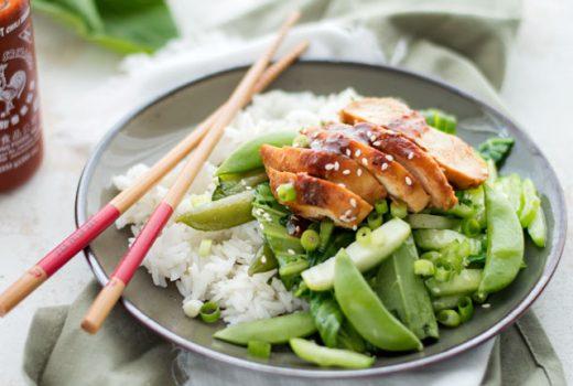 Kip hoisin met groente uit de wok