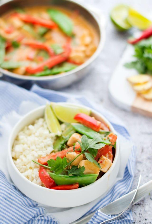 Rode curry met rijst van bloemkool