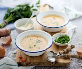 Italiaanse soep met ei