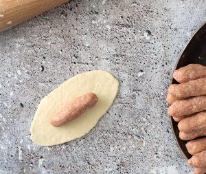 Bereidingsfoto worstenbroodjes