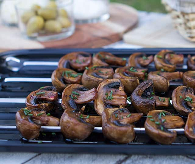 Champignonspiesjes van de barbecue