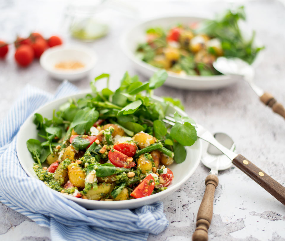 Gnocchi met pesto, groenten en geitenkaas