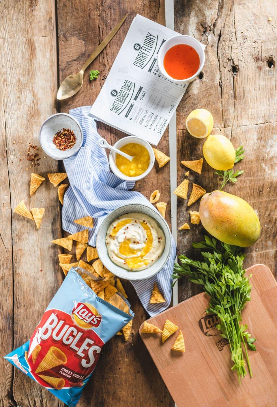 Makkelijke dip met roomkaas, chili en mango