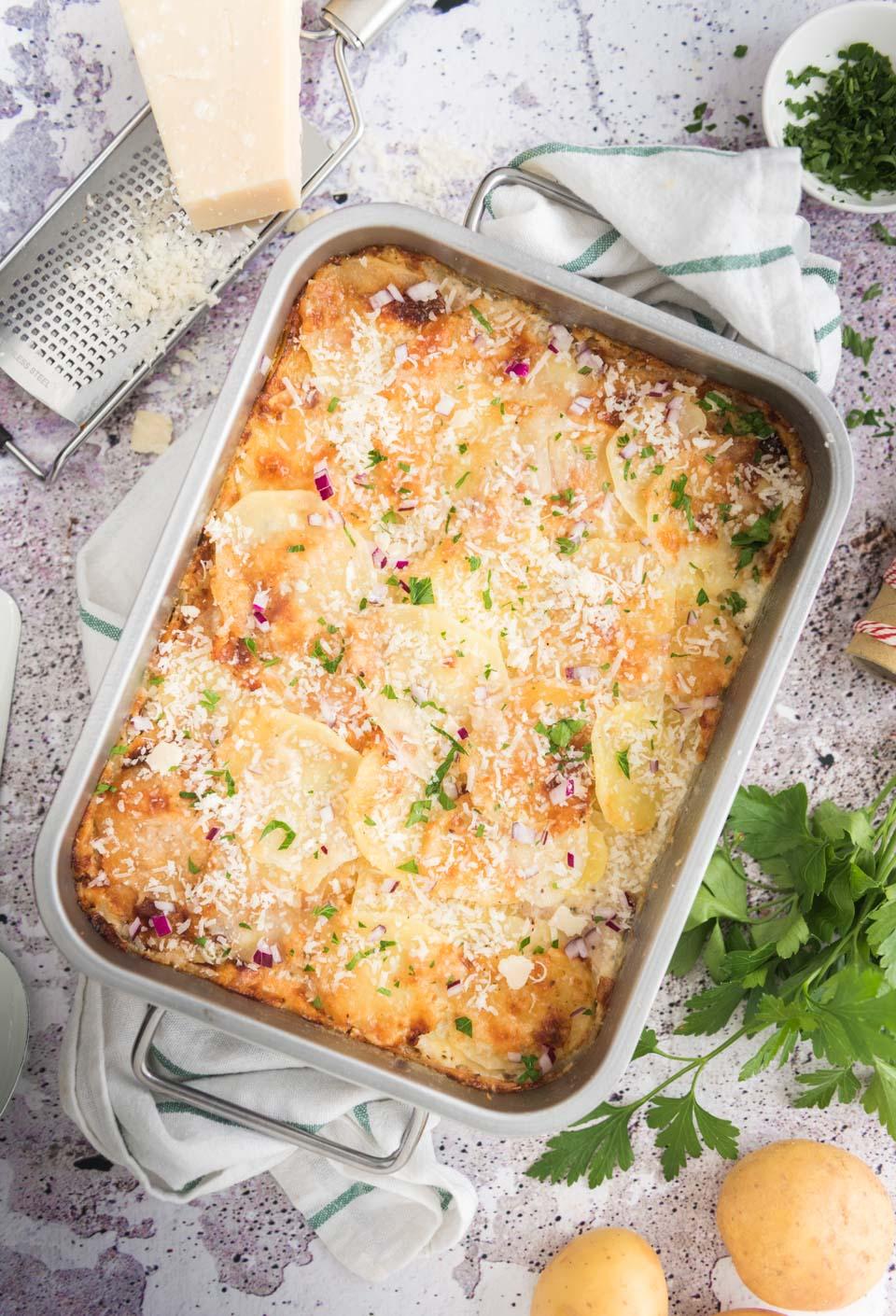 Aardappelgratin met room en Parmezaanse kaas