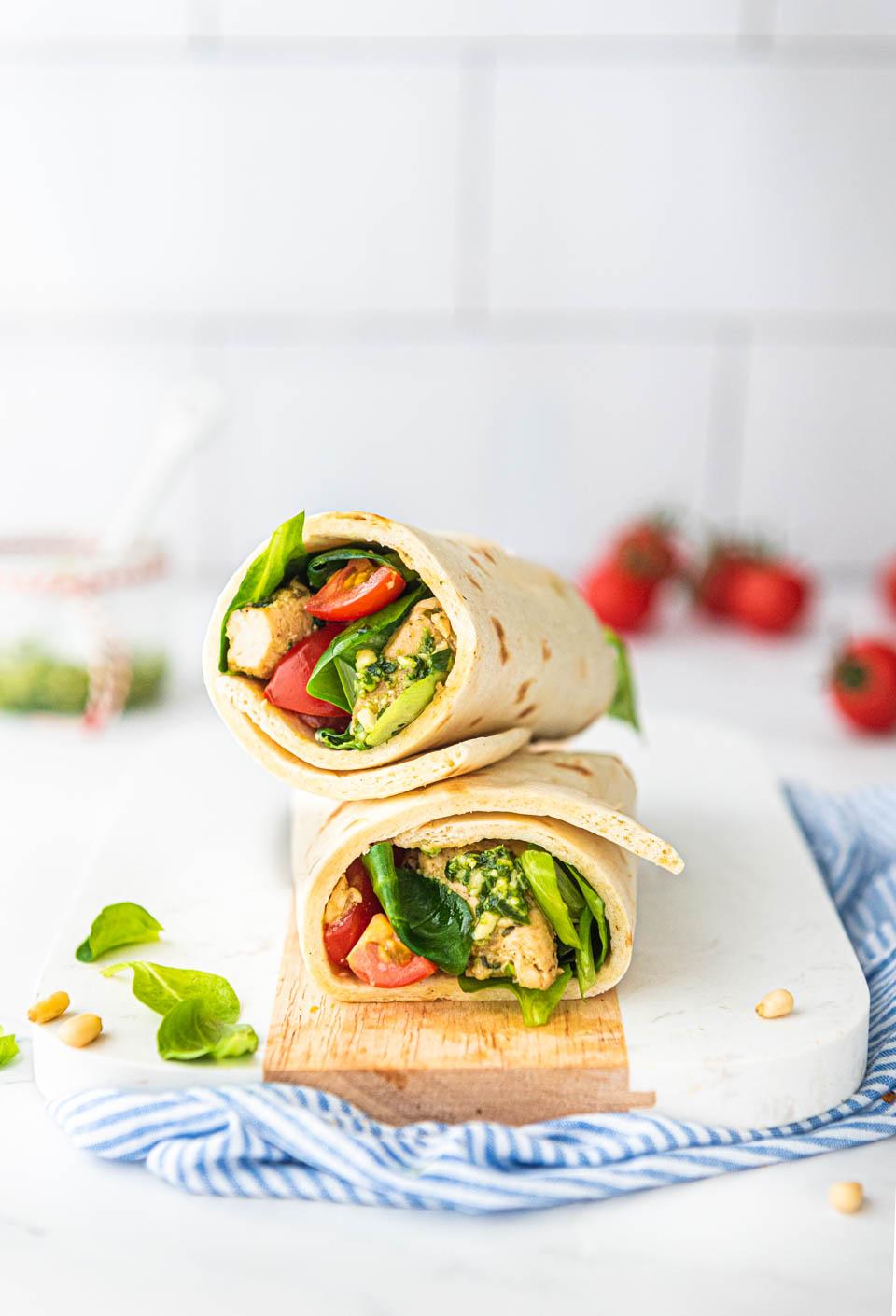 Makkelijke maaltijd- snelle wraps met kip en pesto