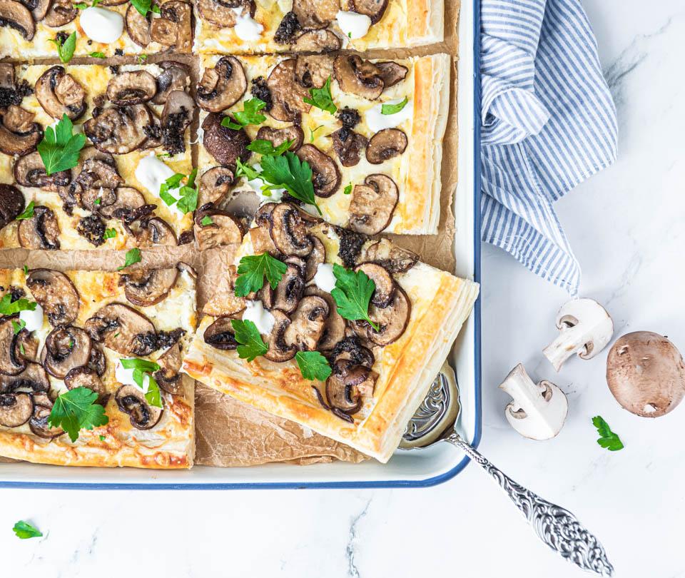 Plaattaart met champignons en truffel