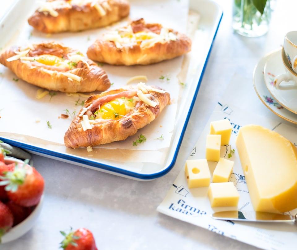 Gevulde croissants met kaas