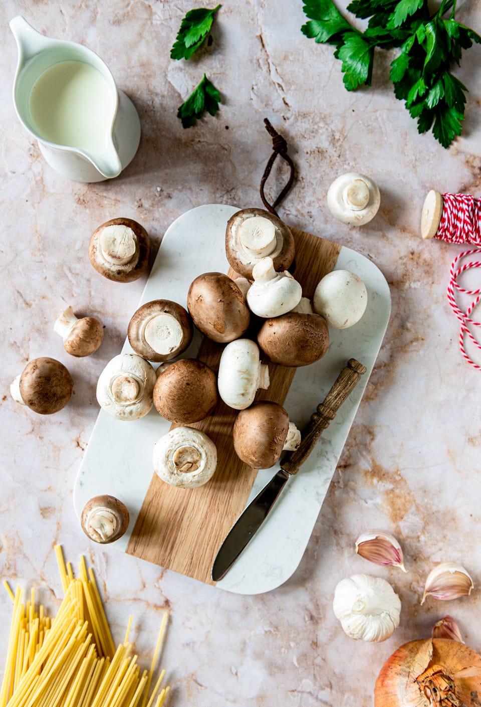 Spaghetti champignons roomsaus ingredienten