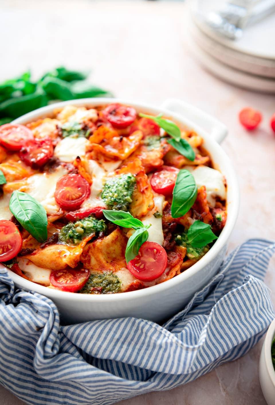 Ovenschotel met ravioli en gehakt