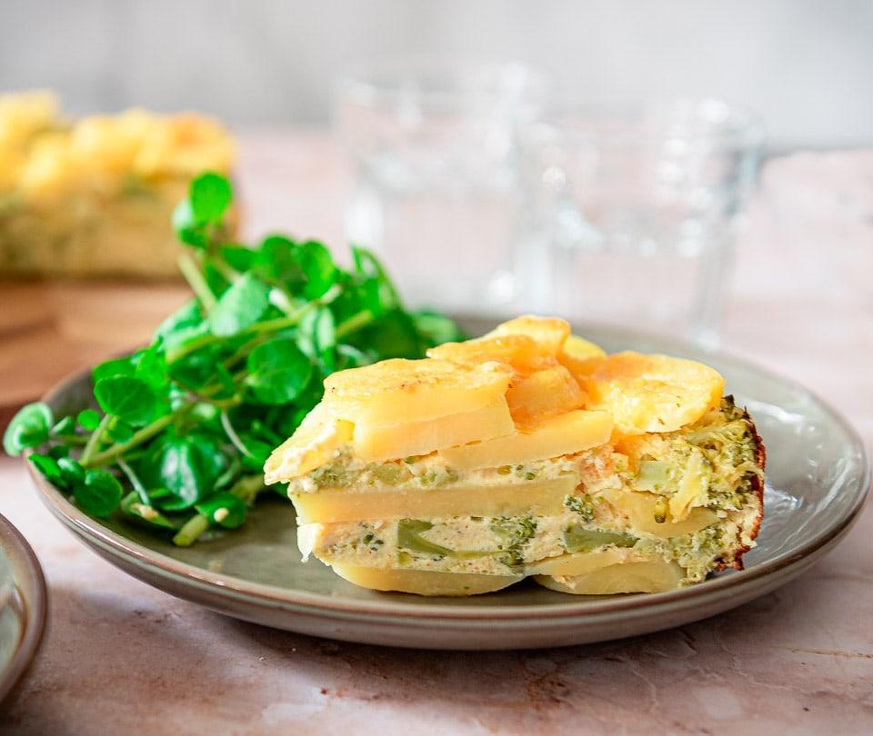 Puntje hartige taart met aardappel en broccoli