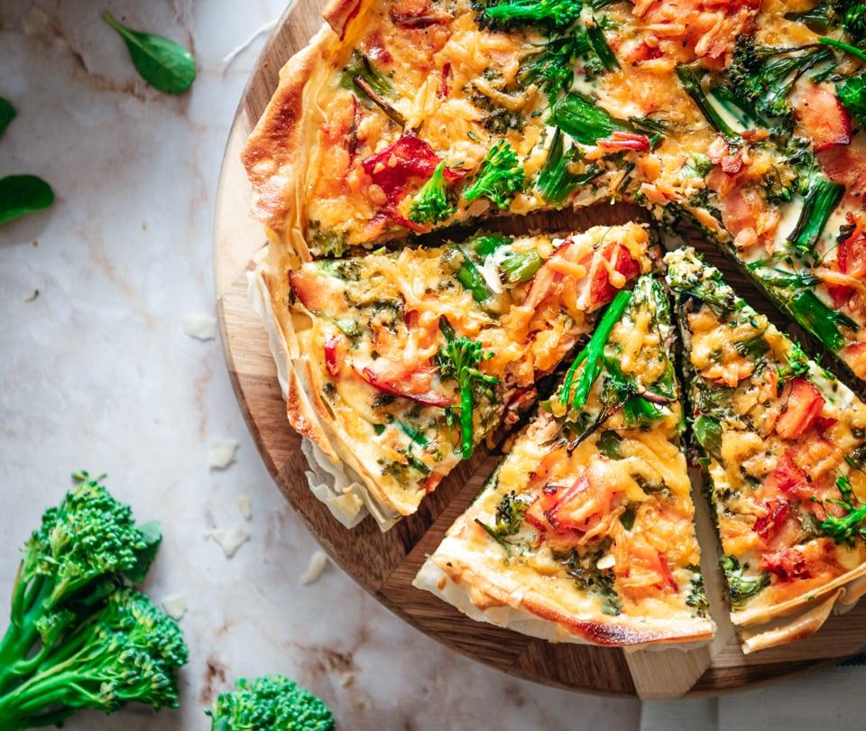 Stukje quiche met broccoli en zalm