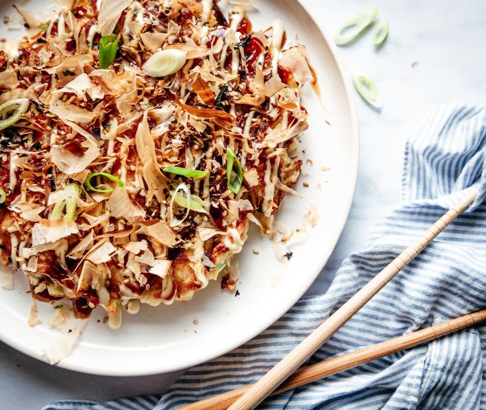 Okonomiyaki recept - Hartige japanse pannenkoek