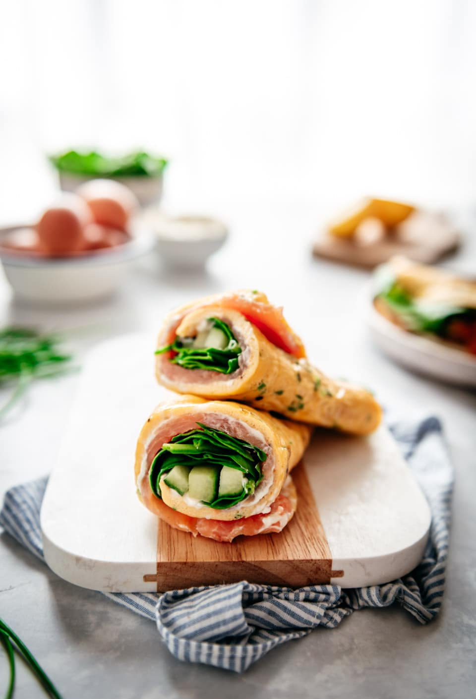 Omelet wrap met zalm en roomkaas