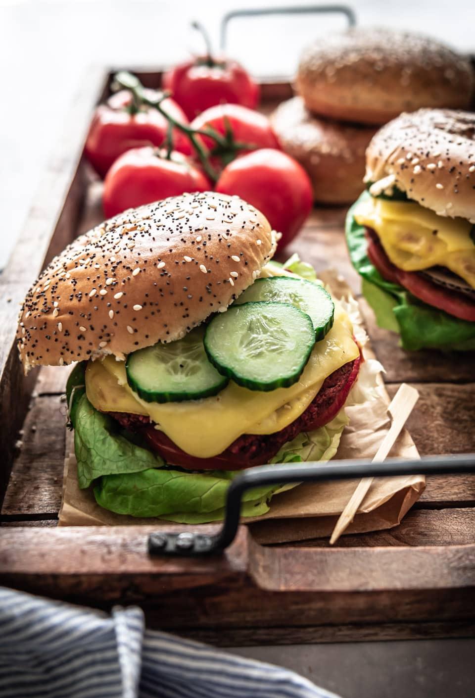 Zelfgemaakte bietenburgers