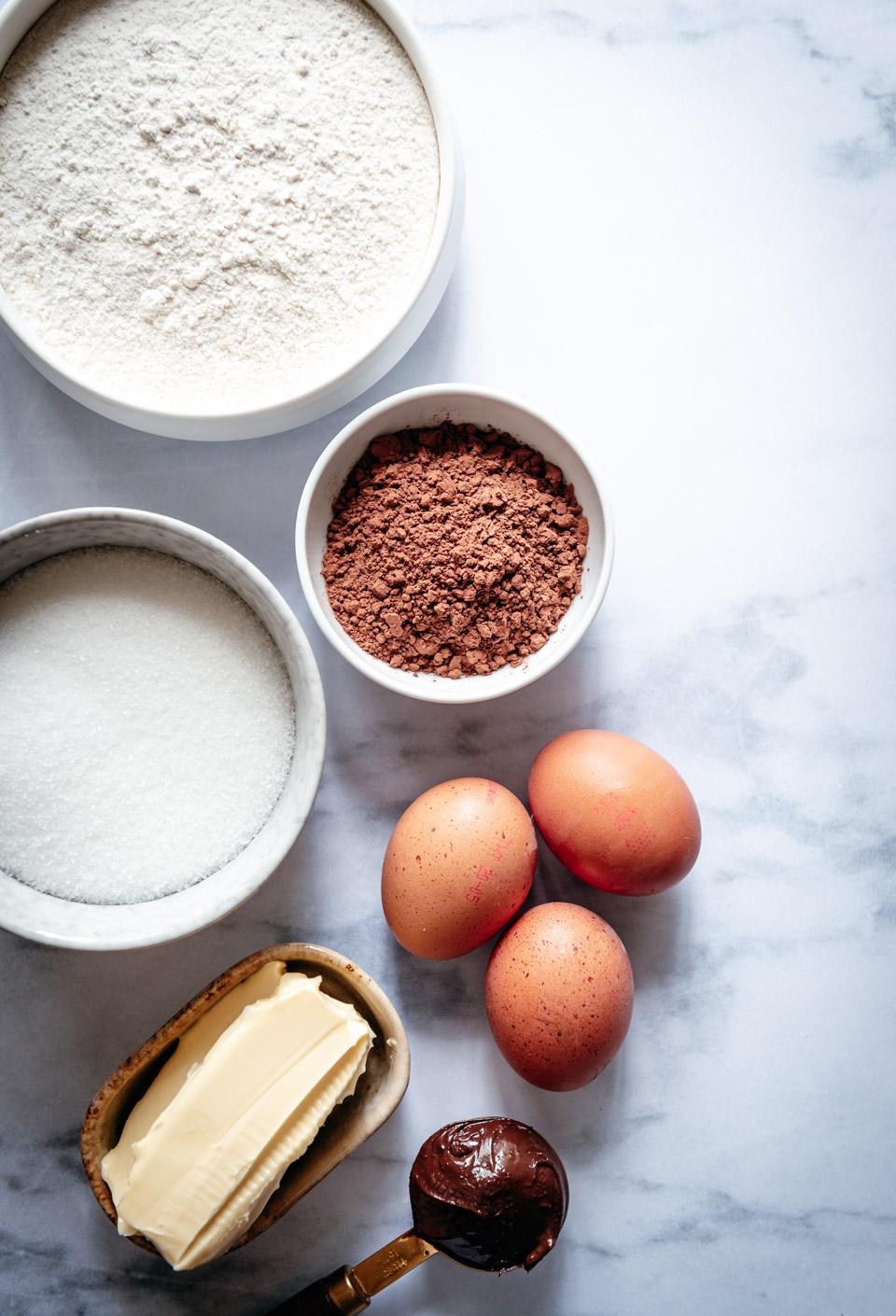 Ingredienten vanille cake met chocolade