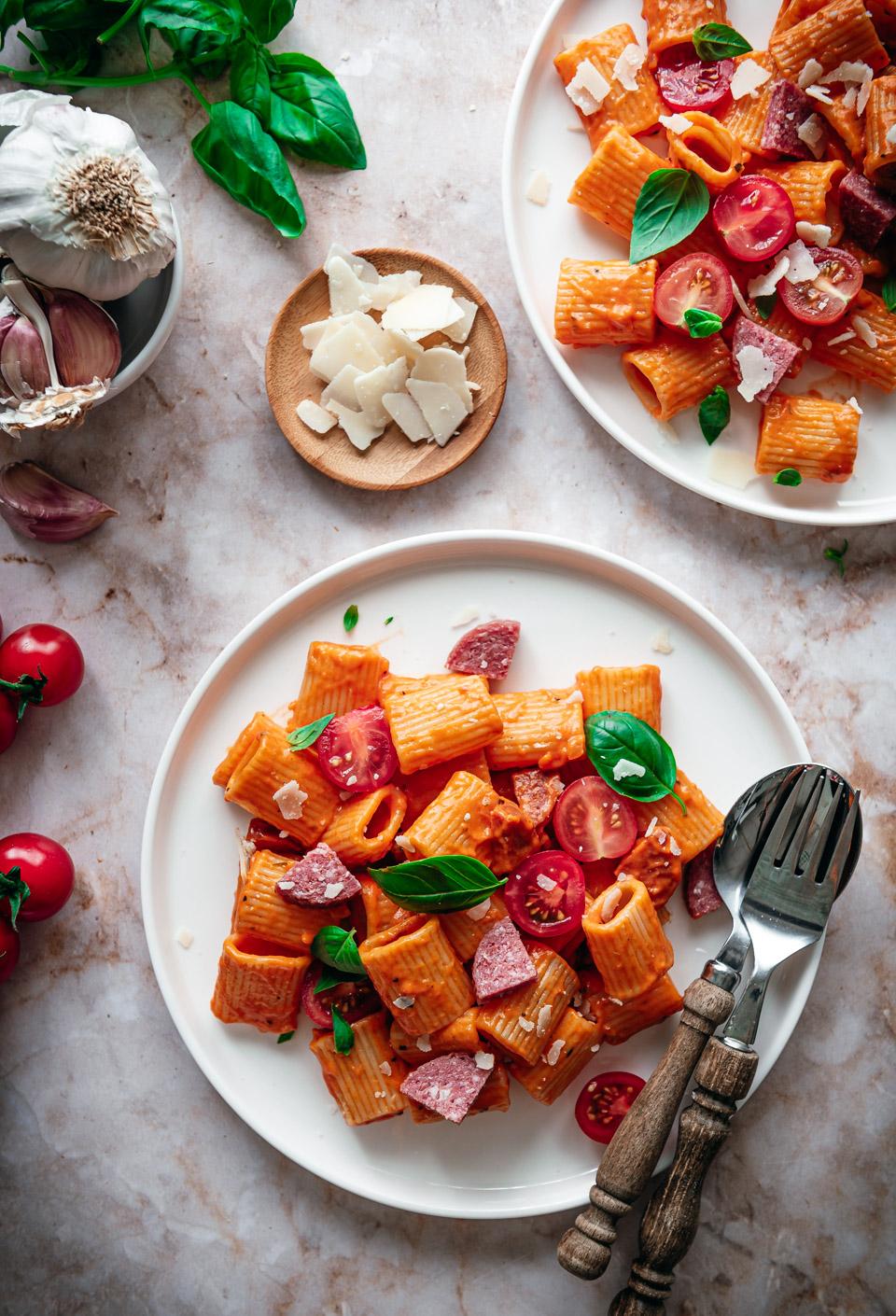 Snelle pasta met romige tomatensaus