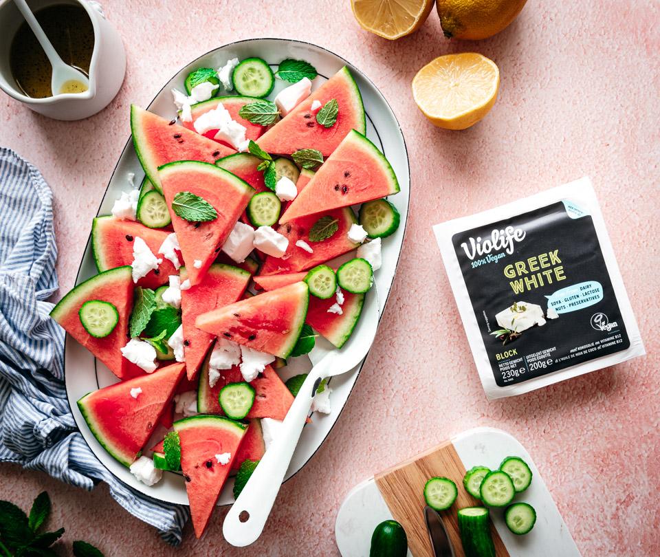 Watermeloensalade met feta en komkommer
