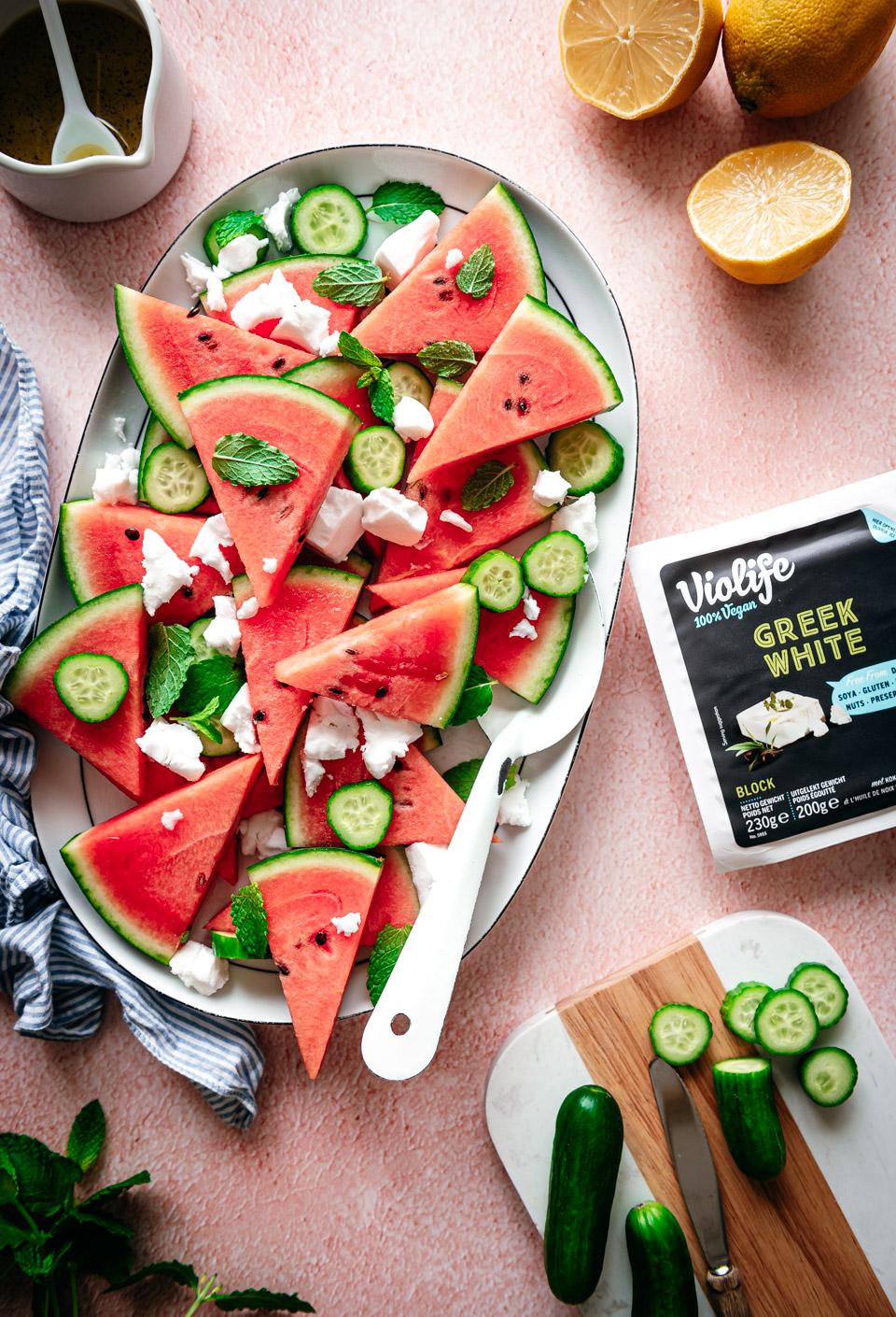 Watermeloensalade met komkommer en feta