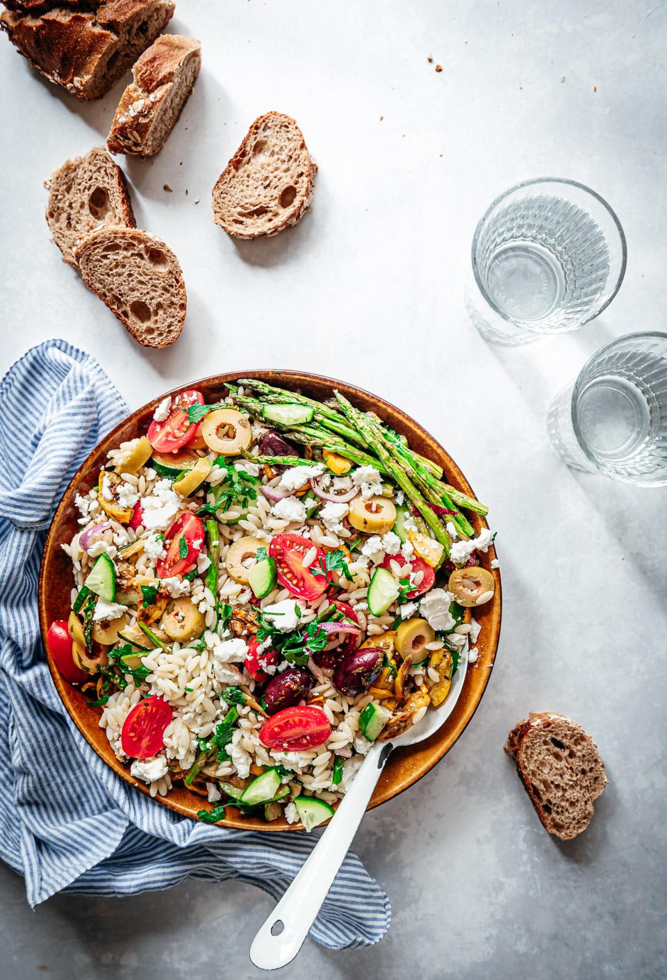 Orzo salade recept