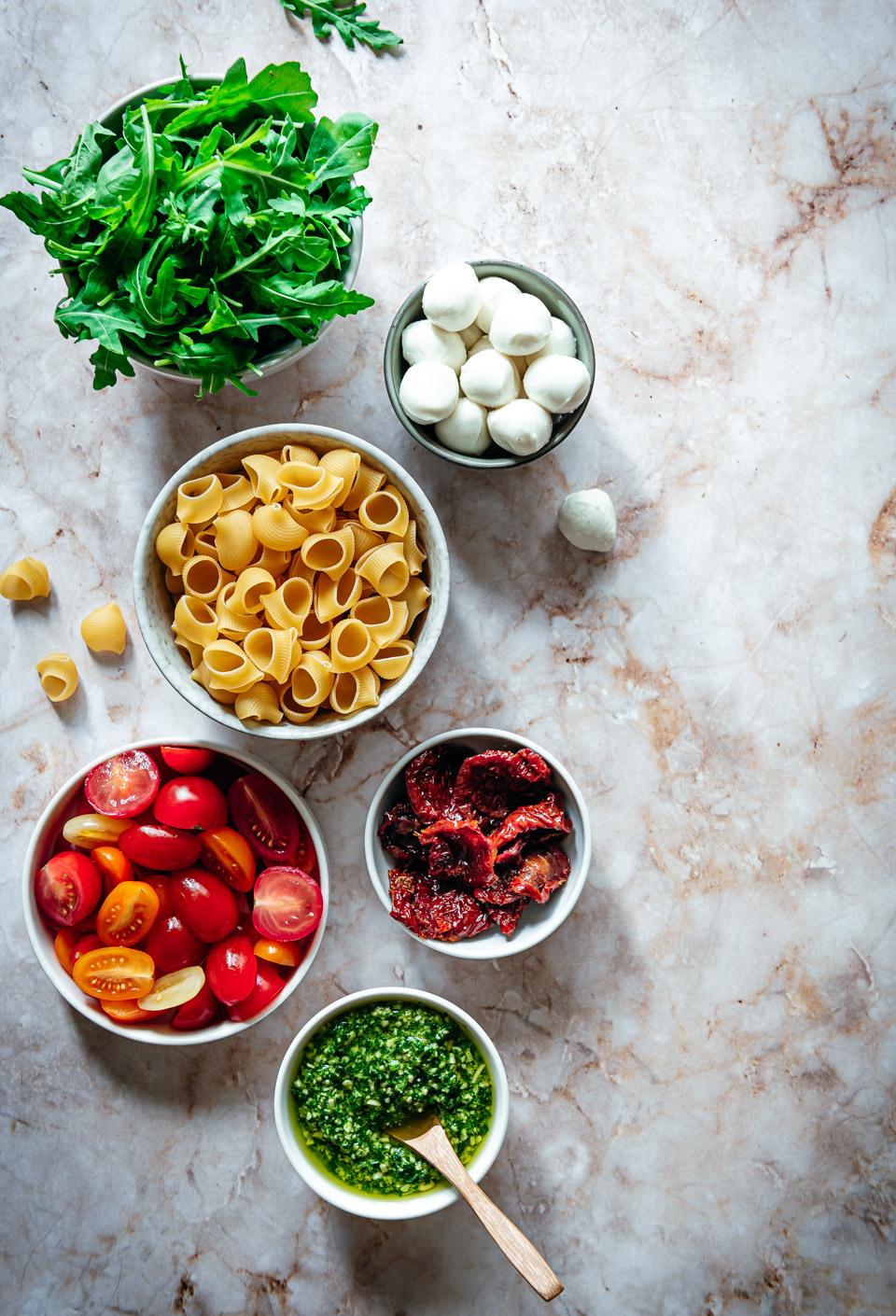 ingredienten pastasalade met pesto