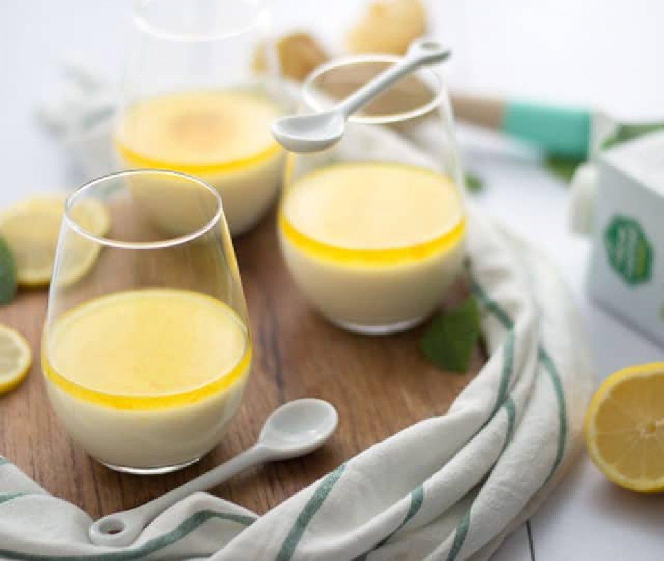 Yoghurt panna cotta met citroen