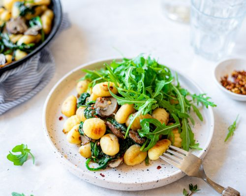 Gnocchi met spinazie en champignons