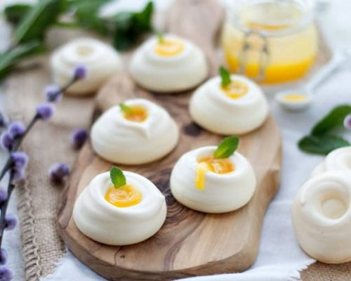 Mini pavlova met lemon curd