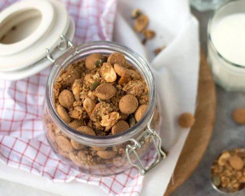 Pepernoten granola
