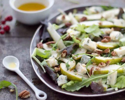 Salade met peer, blauwe kaas en pecannoten kleinere foto